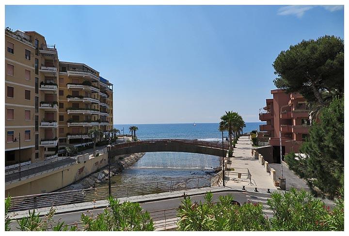 Liguria in bici ciclopedonale da sanremo a san lorenzo for Piani di ponte ottagonale